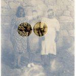 Caroline Valansi Série Conduta, Comadres Fotografia Digital 60 x 40 cm.
