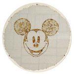 Camille Kachani Mickey Mouse 2 Sedas p/ cigarro, placa de acrílico 40 cm de diâmetro, 2005.
