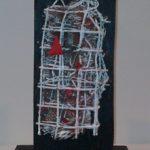 Arthur Luiz Piza T-413 Tinta acrílica, sizal, arame, madeira e massa corrida 14,5 x 8,5 x 5 cm.