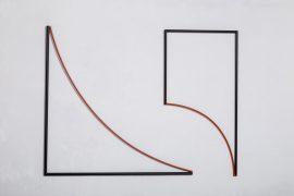 Senóide, Relevo em aço trefilado, pintado, Obra composta por 02 elementos medindo cada: a. 100 x 100 cm,b. 100 x 50 cm, 2008