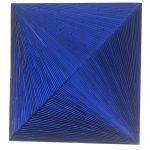 Marcos Coelho Benjamim, Quadrado Azul, Zinco oxidado pintado em Azul, 80 x 80 cm, 2005.
