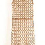 Nazareth Pacheco Vestido Cristal e agulhas 90 x 50 x 12 cm, 2010.