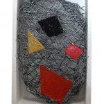 Arthur Piza, T – 1003, Arame galvanizado, zinco pintado em acrílica e madeira pintada, 11 x 7 x 3,5 cm