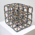 Cubo Iris, Resina e Arame, 30 x 30 x 30 cm, 2013.