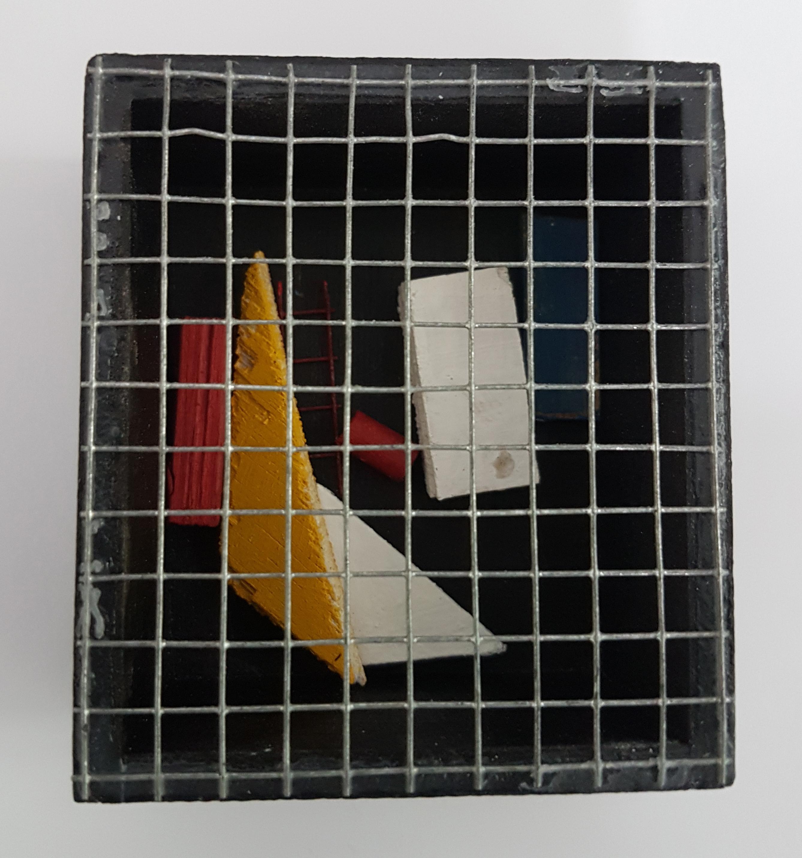 Arthur Luiz Piza, T - 1436-Arame galvanizado e madeira pintada, 3,5x6,5x7,5 cm