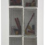 Atrhur Luiza Piza, T - 1539, Arame galvanizado, zinco pintado, arame pintado, lixa e madeira pintada, 37x16x8cm