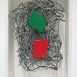 Arthur Luiz Piza, t-1095, Arame galvanizado, zinco pintado em acrílica e madeira pintada, 16 x 10 x 3,5 cm, 2016.