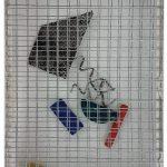Arthur Luiz Piza, T-1537, arame galvanizado pintado, zinco pintado e madeira pintada, 15 x 10 x 3 cm.