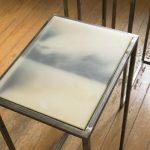 Brisa Noronha, Sem Título, Série Inertes, Porcelana, parafina, madeira, ferro e fotografia impressa em papel de arroz, 75 x 40 x 30 cm, 2015.