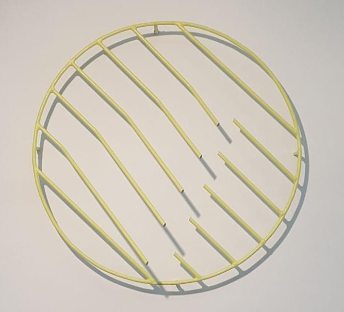 Vanessa Henn, Bem Te Vi, metal, 70 x 70 x 8 cm, 2018