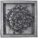 Fernando Lucchesi Coroa de Flores Objeto em chumbo 35 x 35 cm.