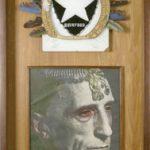 Capitão Duchamp Colagem, espelho, cocar de penas e fotopintura