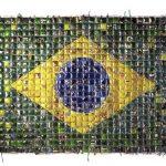 Marcos Cardoso Bandeira Plástico costurado com plástico 240 x 220 cm, 2006.