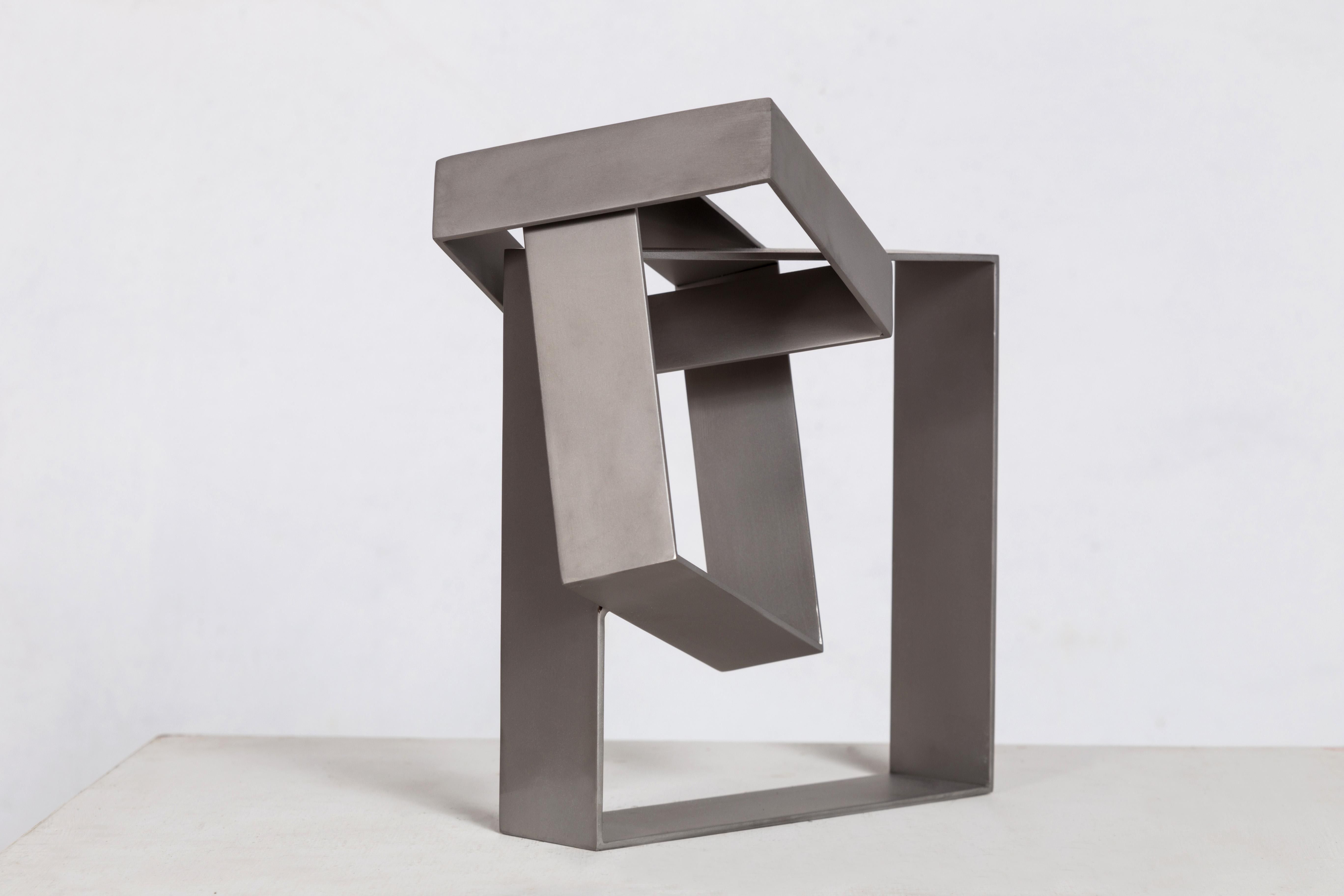 Sérvulo Esmeraldo, Sem Título, Escultura em aço inox, polimento acetinado, 26,8 x 14,5 x 23,5 cm, 2015