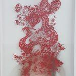 Christus Nobrega, A Roupa Nova do Rei V, Papel de arroz recortado e afixado sobre fotografia com alfinetes de ouro e falsificados, 100 x 80 cm, 2015/18