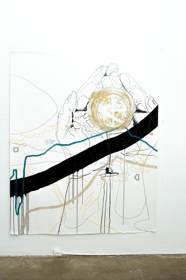 Juliana Gontijo, O grande sou, Acrílica e pastel oleoso, grafite, lápis de cor, monotipia com tinta preta e dourada sobre papel, 180 x 150 cm, 2019