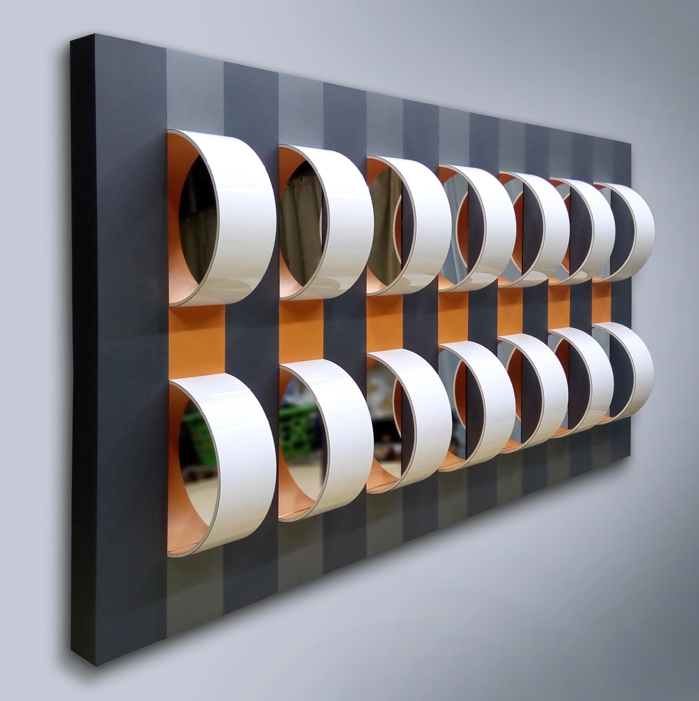 Robson Macedo, Corrente, Formica, pvc, pet e espelho sobre madeira, 110 x 81 x 15 cm, 2018 - LATERAL