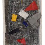 Arthur Luiz Piza, T – 1002, Arame galvanizado, zinco pintado em acrílica e madeira pintada, 15 x 10 x 4 cm