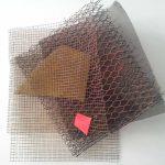 Arthur Luiz Piza, T – 961, Arame galvanizado e zinco pintado em acrílica, 35 x 35 x 10 cm