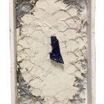 Arthur Luiz Piza, T – 902, Arame galvanizado, zinco pintado em acrílica, massa corrida e madeira pintada, 16 x 10 x 3 cm