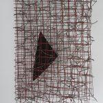 Arthur Luiz Piza, T - 1630 arame galvanizao, arame pintado e lixa, 23x16x7 cm