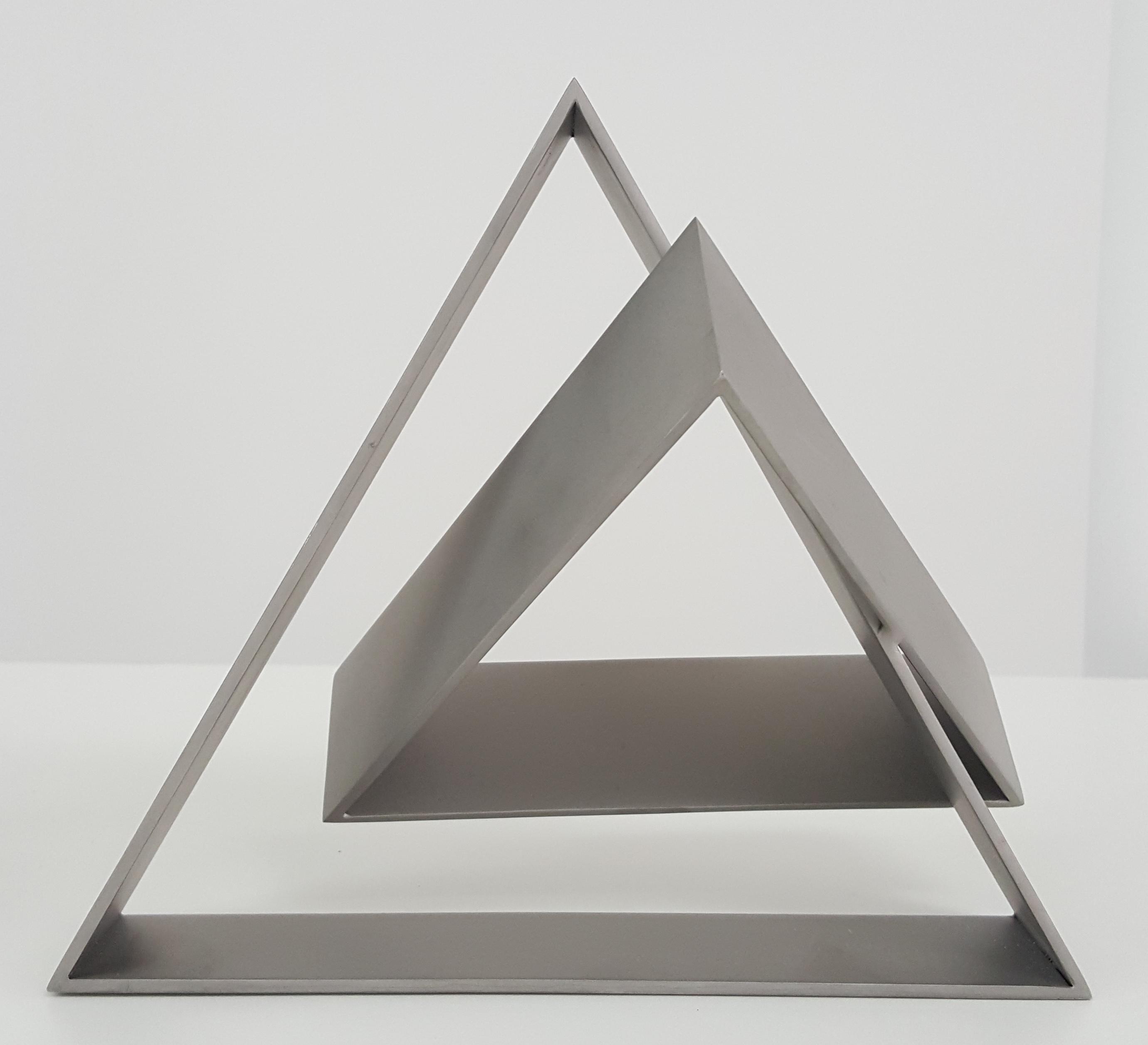 Sérvulo Esmeraldo, Sem Título, Escultura em aço inox polimento acetinado, 17,5 x 12,5 x 20 cm, 2015.