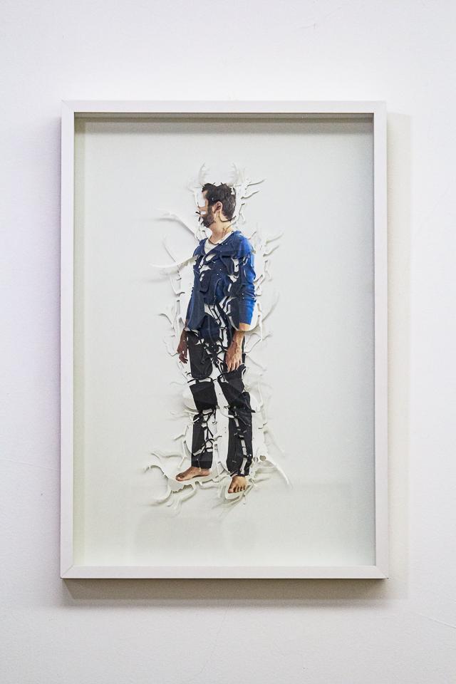 Christus Nóbrega, Besouro, Impressão sobre papel recortado e alfinetes, 78 x 53 cm, 2013, Tiragem 5 de 5